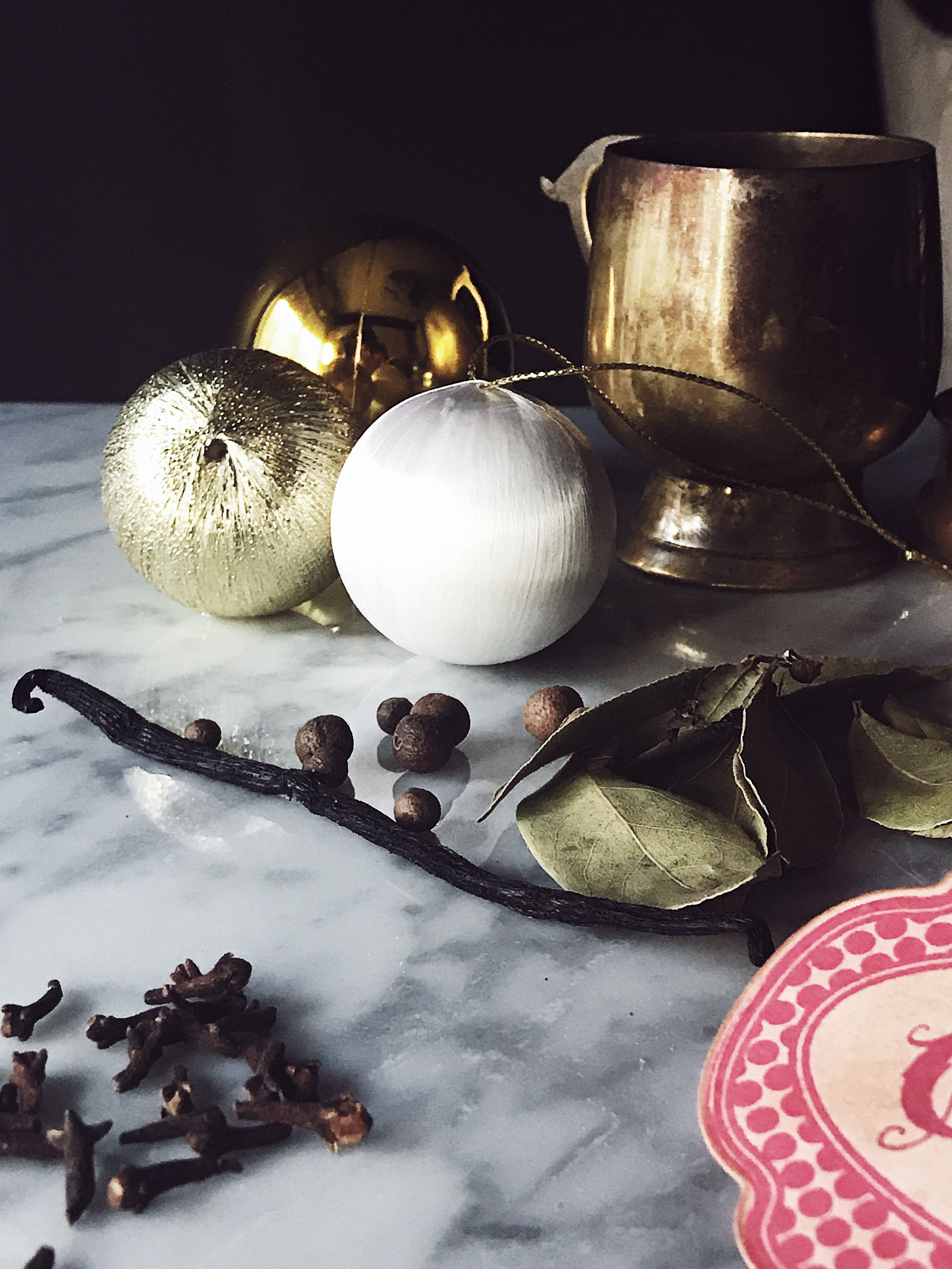 Stove top potpourri with Christmas spices
