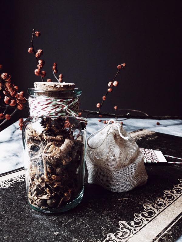 Vin brule mix recipe in a jar