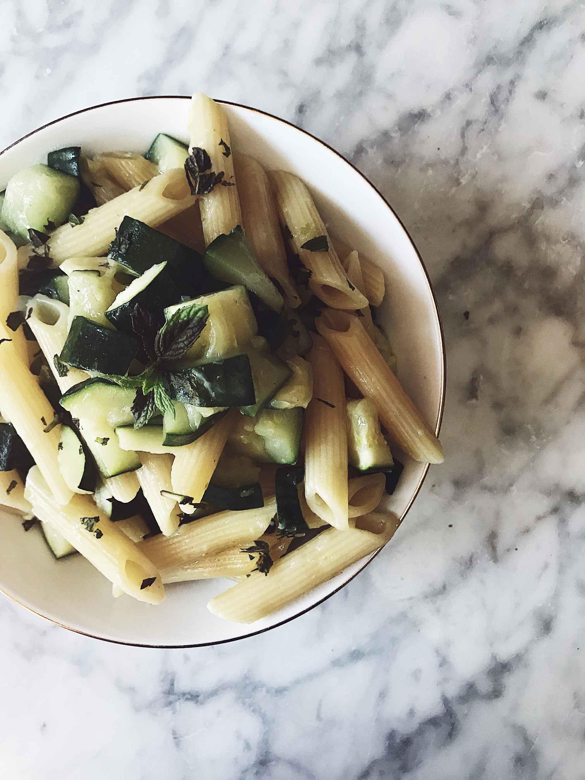 zucchini one pot pasta in a white bowl