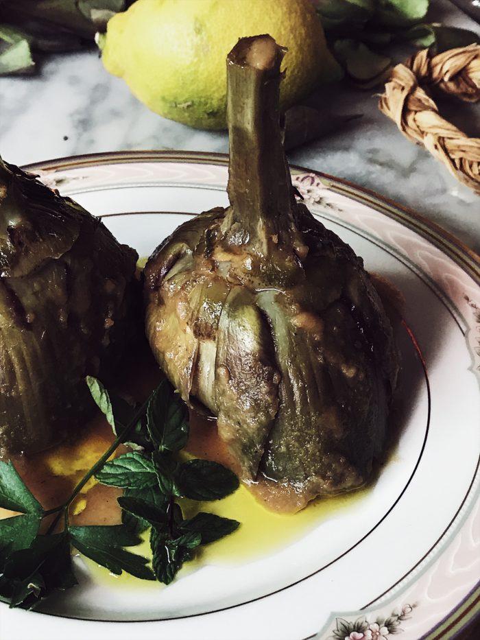 Artichokes recipe: Roman style artichokes by Gourmet Project, a Rome based Italian food magazine and blog.