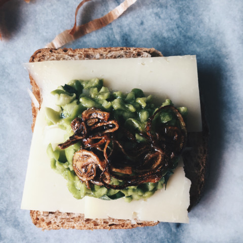 Pecorino Grilled Sandwich and Broad beans Pesto | gourmet project May Day