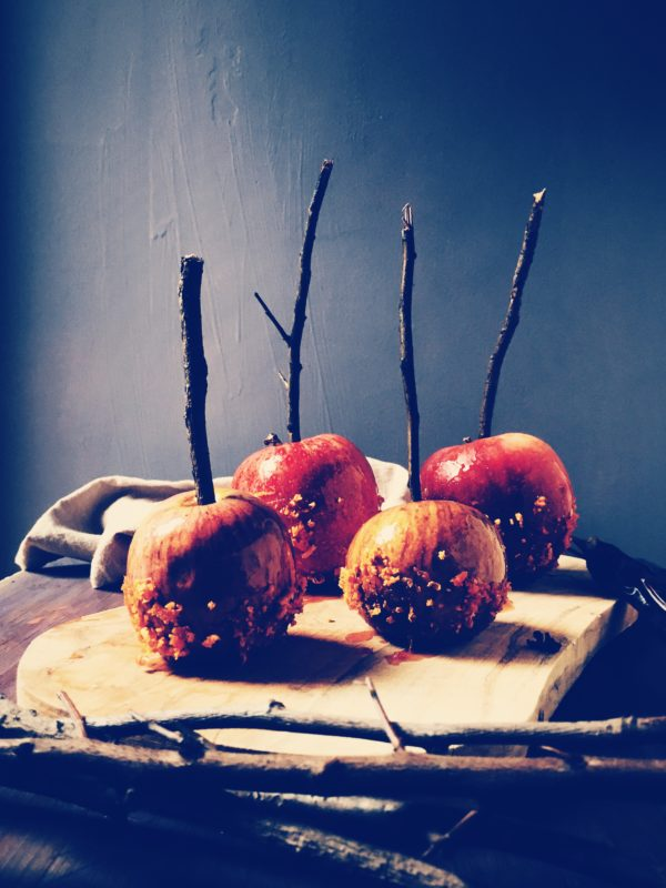 Halloween food ideas from an Italian kitchen: Spritz caramel apples | Gourmet Project blog & mag
