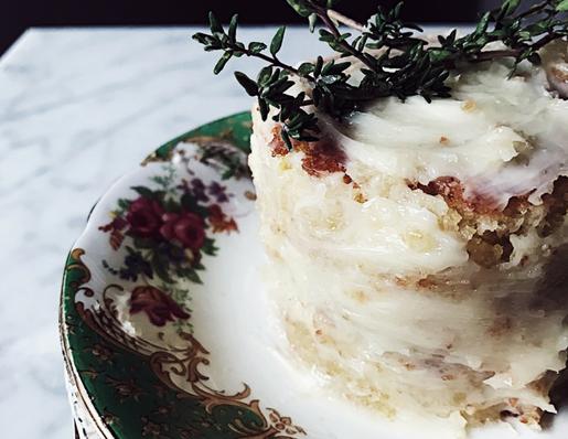 almond flour cake: white torta caprese