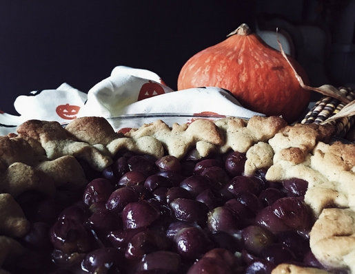 Crostata with grapes. A grape pie by Gourmet project, a Rome based Italian food magazine and blog.