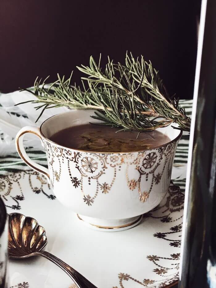 Pancetta gravy recipe made with red wine and rosemary