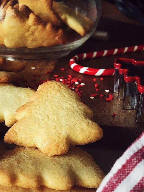 sugar cookies recipe red and white sugar confetti