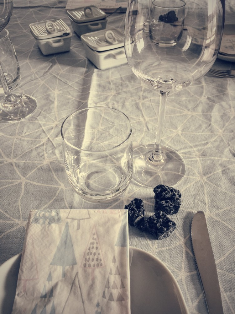 befana table setting by gourmet project