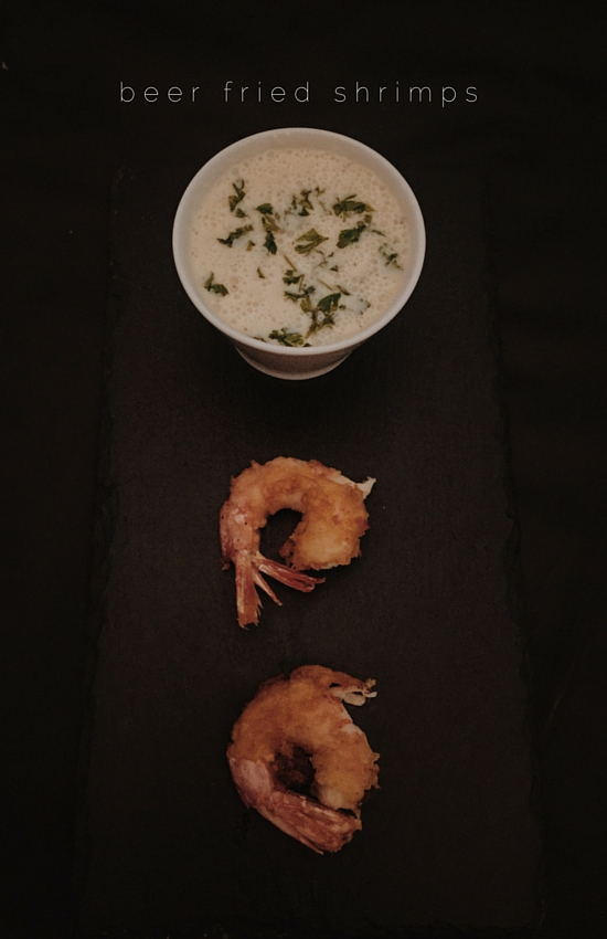 my fried shrimps recipe: crispy fried shrimps with a beer batter and a semi-healthy tartar sauce