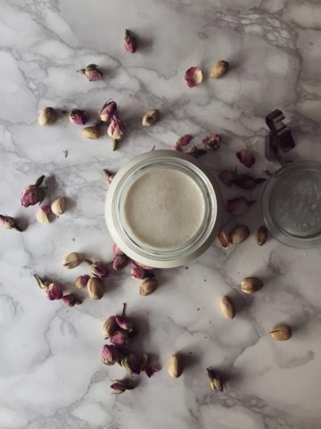 Homemade Coconut Yogurt Recipe by Gourmet Project