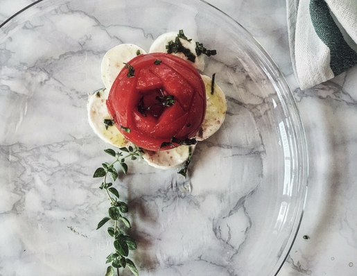 another way to make the caprese salad recipe: with hot infused oil