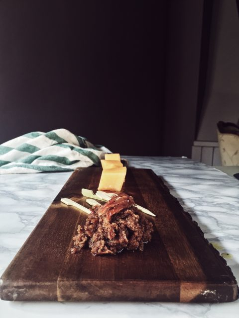 Italian appetizer recipes: prosciutto jam, with nutmeg, allspice, chili and rum. To be paired with melon.