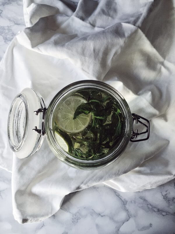 Sun tea recipe with ginger, lime and mint.