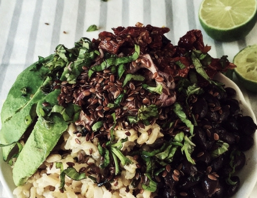 buddha bowl with avocado and black beans by Gourmet Project