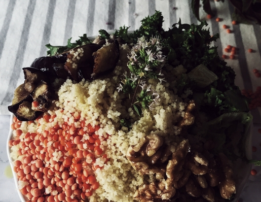 buddha bowl with lentils by Gourmet Project