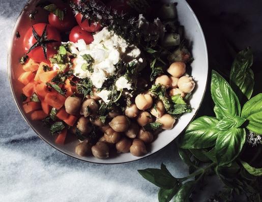 a feta and chickpeas salad recipe