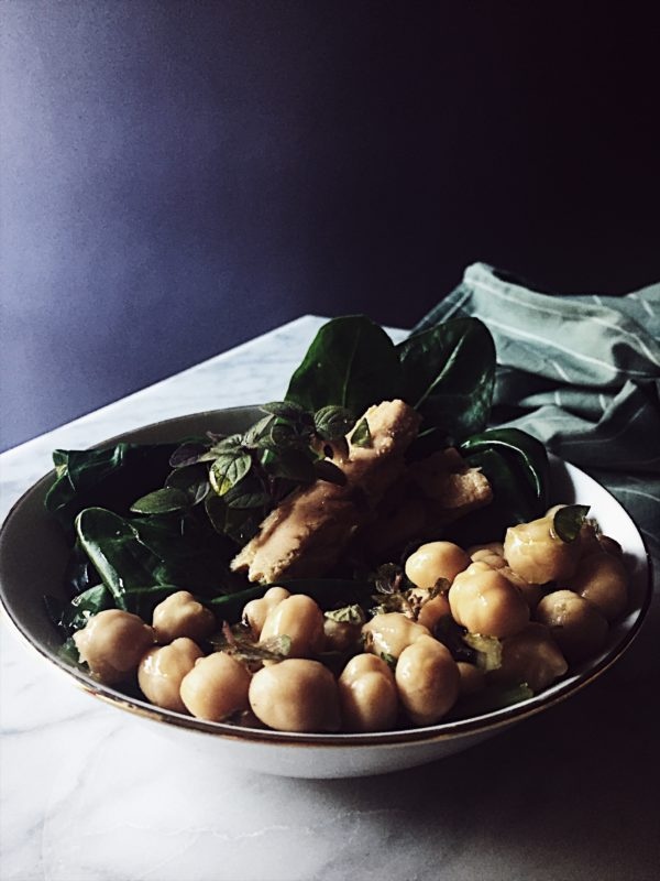 a chard, chickpeas and tuna filets warm salad recipe with looots of fresh oregano