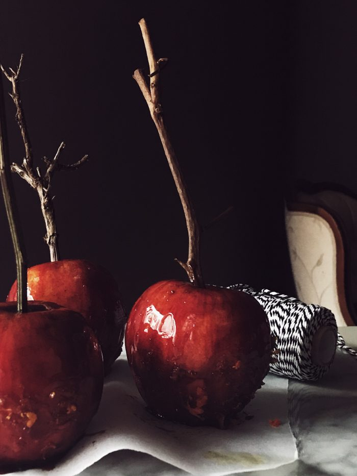 caramel apples recipes Spritz candy apples by Gourmet Project