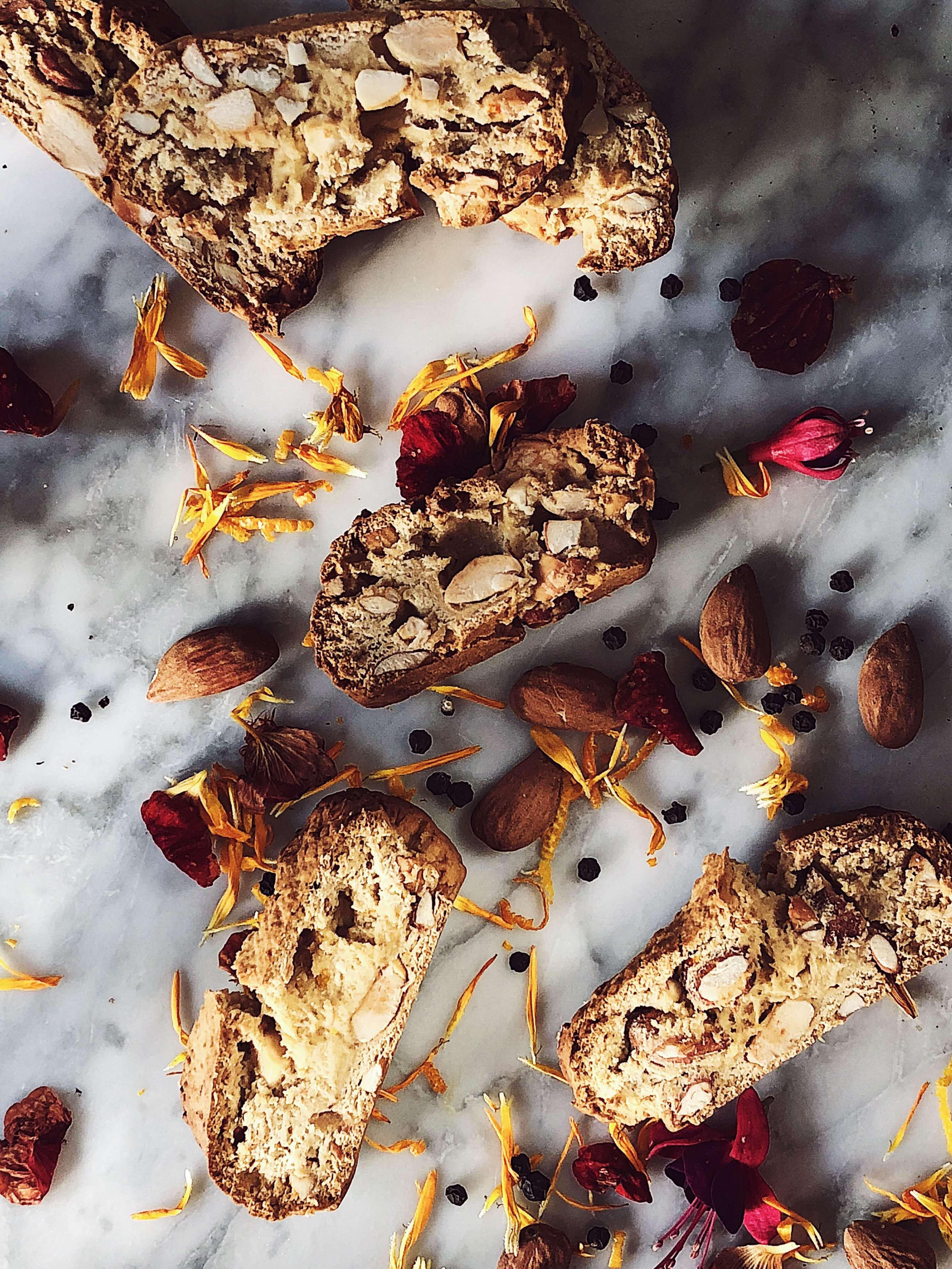 Italian magazine: biscotti