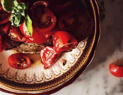 Authentic Italian bruschetta al pomodoro by Gourmet Project #gourmetproject #italy
