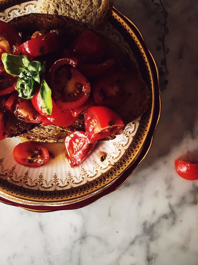 tomato bruschetta recipe with fresh tomatoes