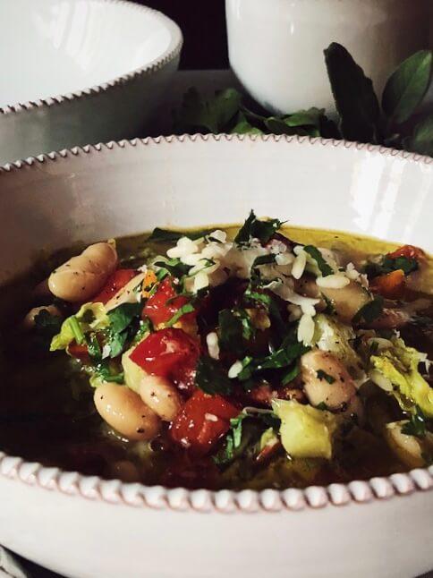minestrone soup recipe closeup