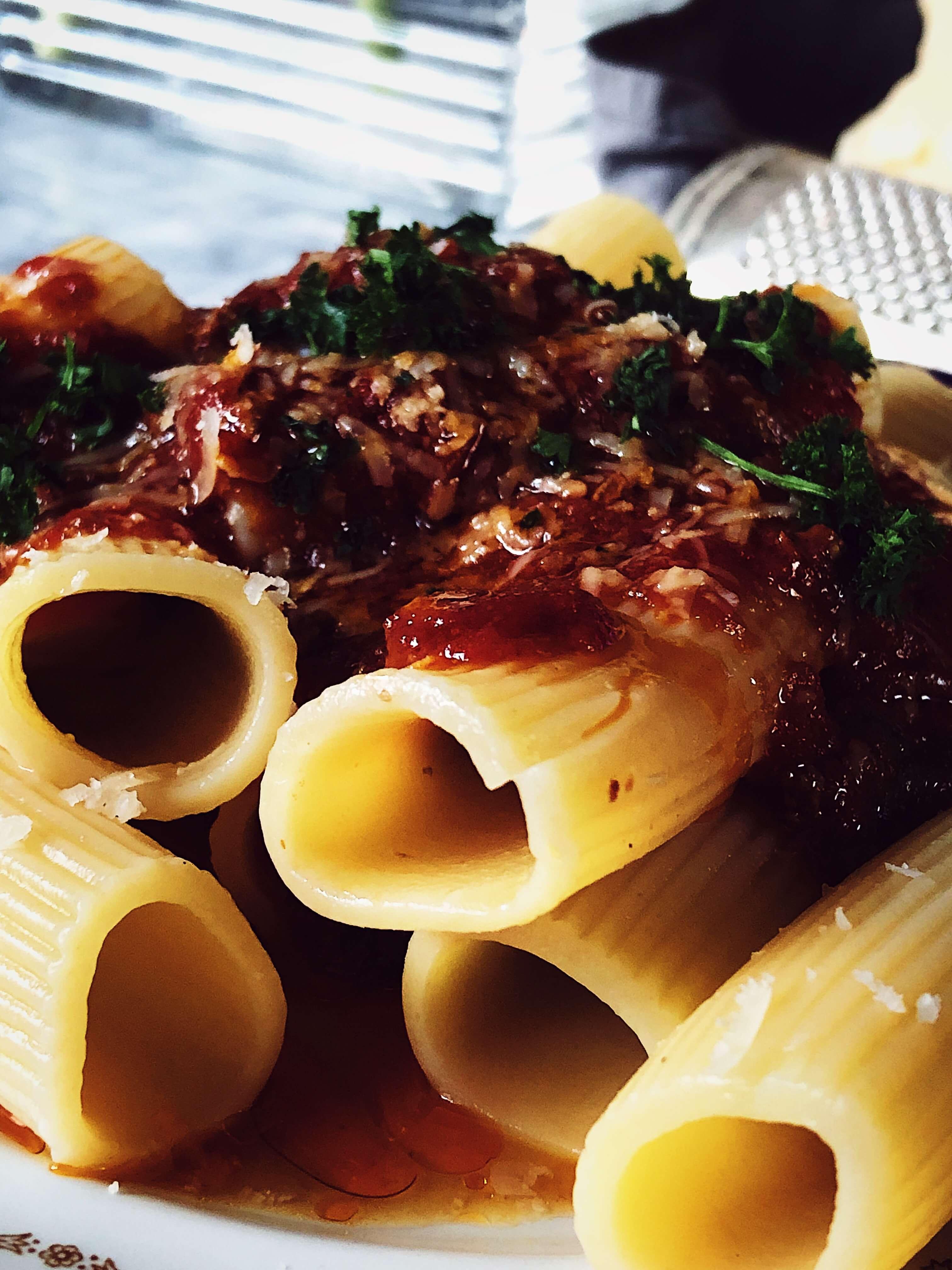 braciole sauce seasoned pasta