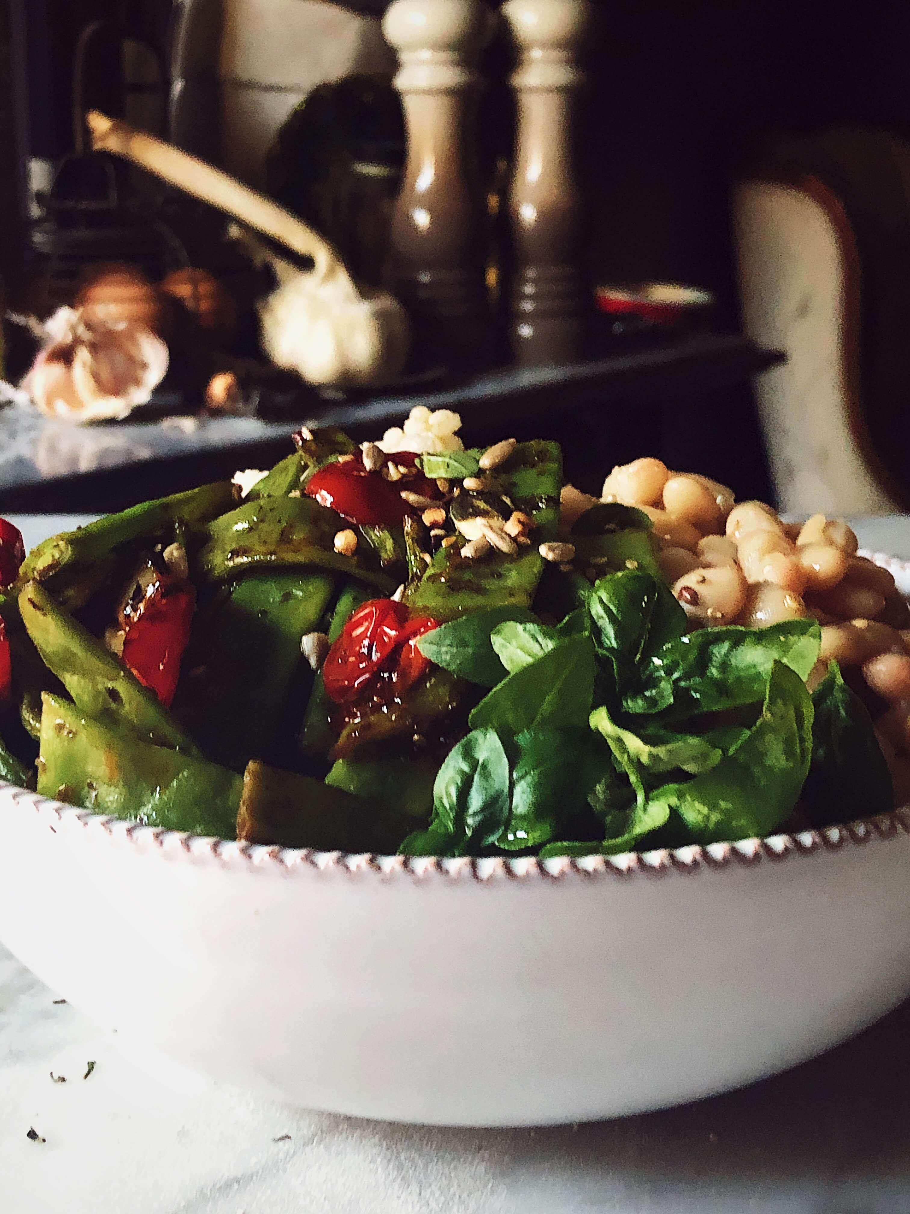 buddha bowl with vegetarian ingredients