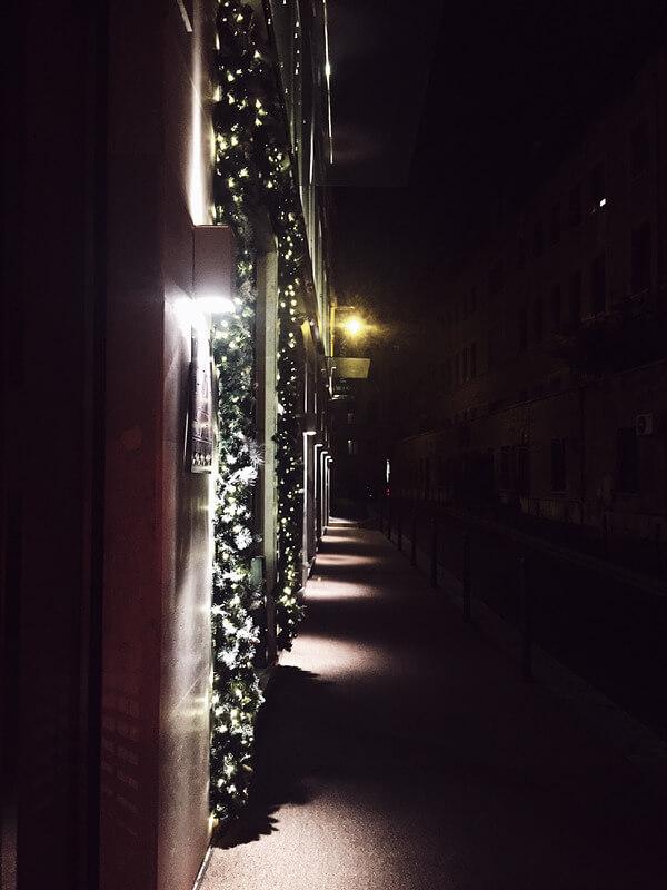 food magazine pic of Rome's Christmas lights
