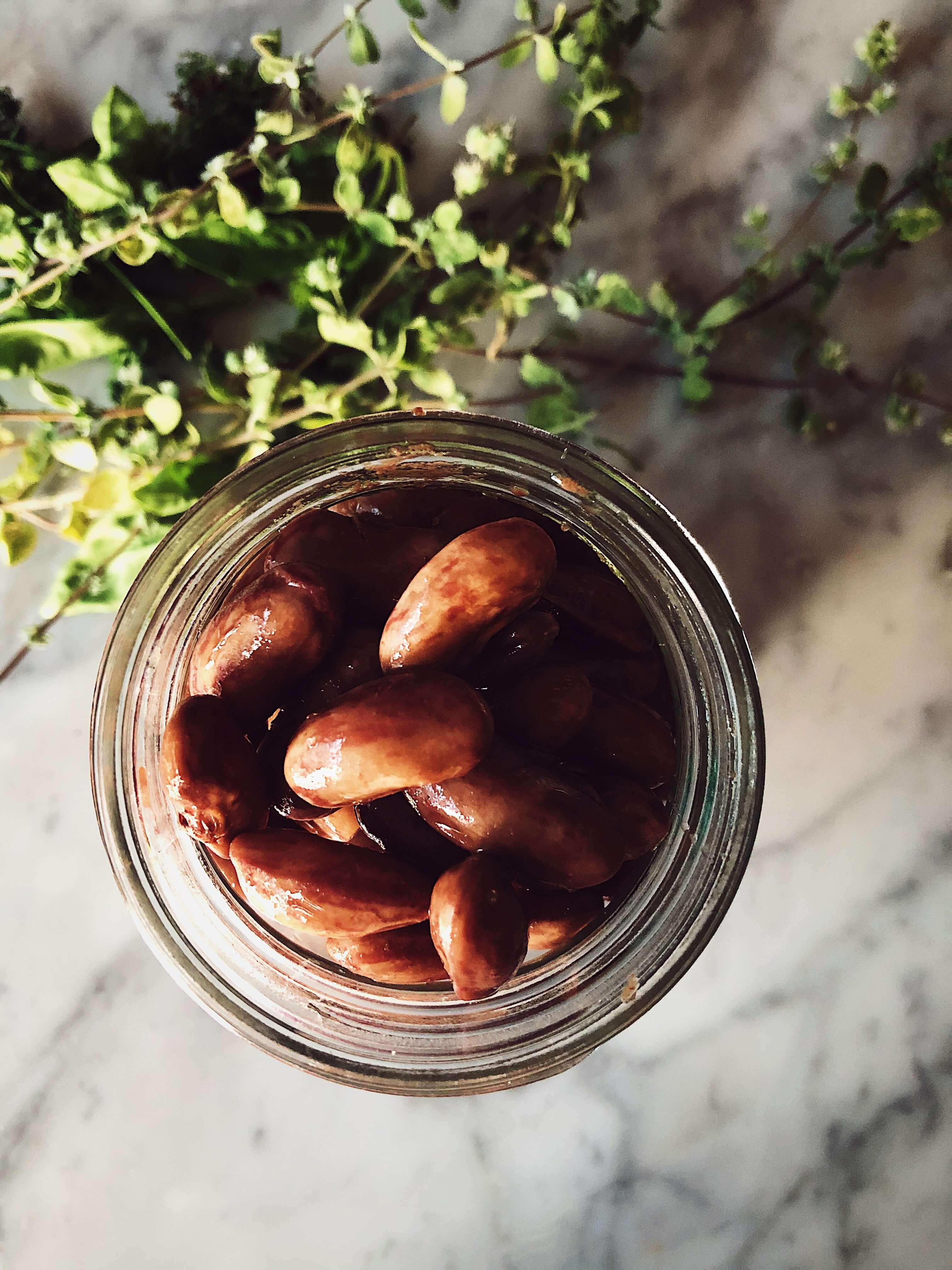 cooked borlotti beans in mason jar