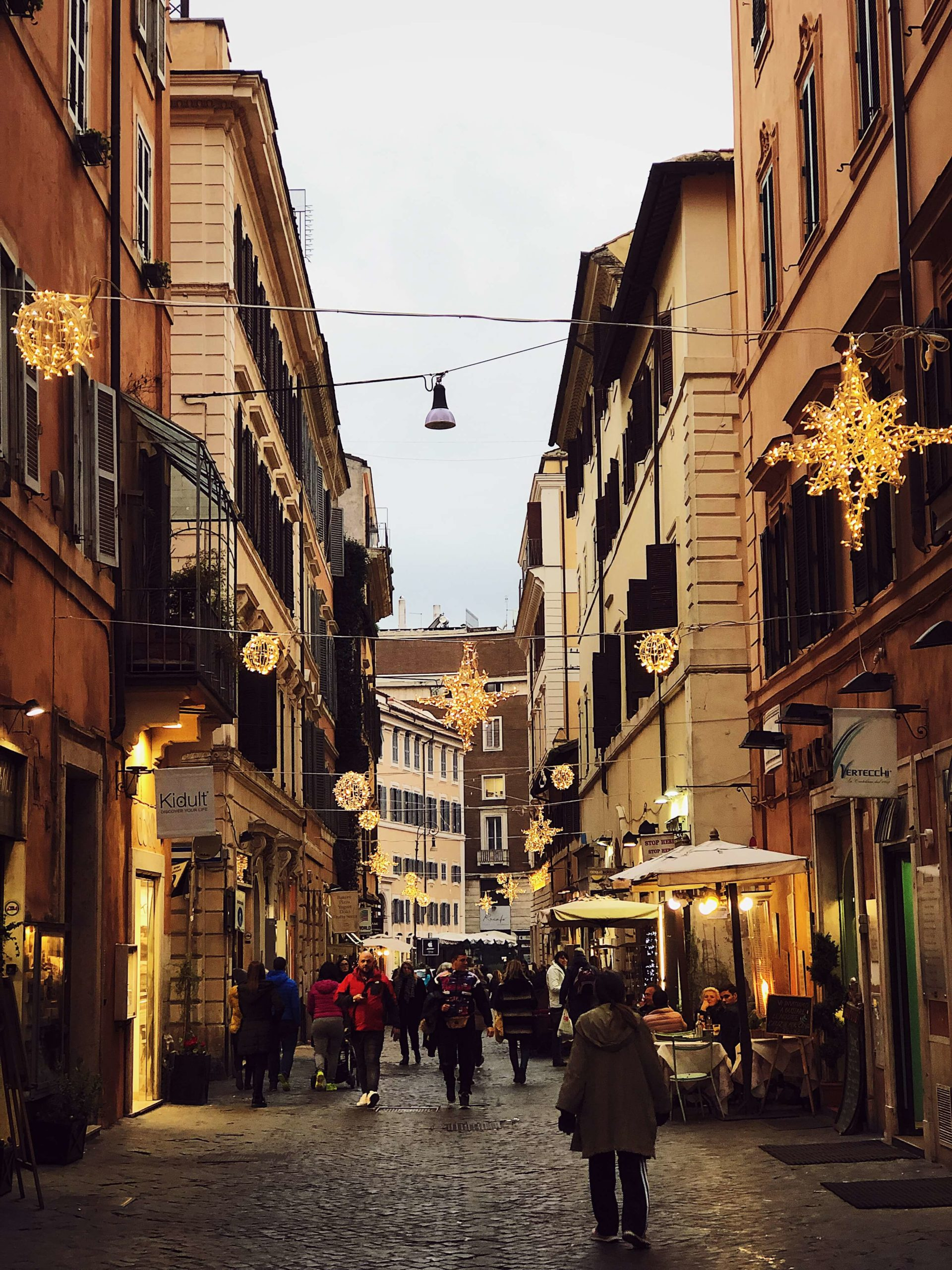 Christmas decorations in Rome