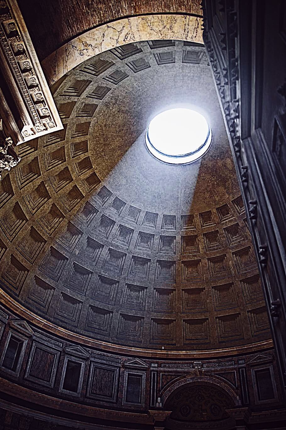 Rome in pictures: pantheon's oculus