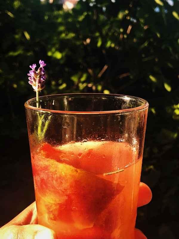 peach and lavender lemonade