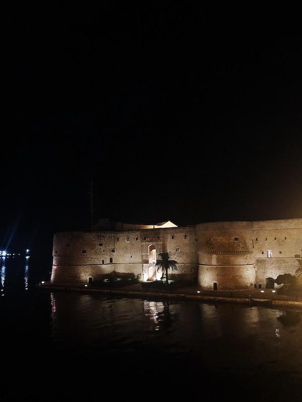 life in Italy: Taranto's castle